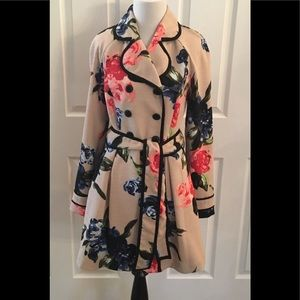Elle Bloggers Favorite Floral Trench Coat Size 6